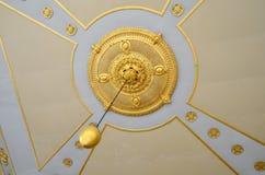 Ideia do teto no palácio de Topkapi, um grande destino do museu imagens de stock