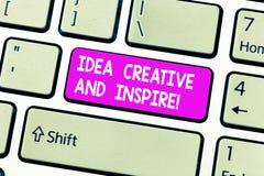 Ideia do texto da escrita criativa e para inspirar Conceito que significa a motivação da faculdade criadora da inspiração para o  fotos de stock royalty free