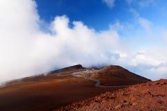 Ideia impressionante da paisagem da área vista da cimeira, Maui do vulcão de Haleakala, Havaí Foto de Stock