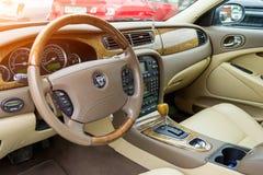 Ideia interior do S-tipo brilhantemente verde 2007 de Jaguar imagem de stock royalty free