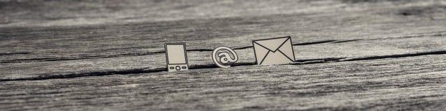 Ideia larga do panorama em ícones do sinal, do correio e do telefone celular Fotos de Stock Royalty Free