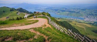 Ideia panorâmico da paisagem da lucerna do lago e das cordilheiras do ponto de vista de Rigi Kulm, lucerna, Suíça, Europa Fotos de Stock