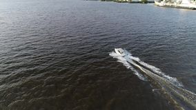Ideia a?rea do prazer que pesca o barco o Rio Delaware Philadelphfia da velocidade video estoque