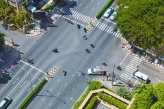 Ideia superior de uma interseção da rua em Banguecoque, Tailândia Fotos de Stock
