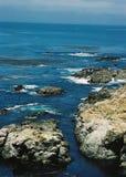 Ideia vertical da linha áspera da costa de Big Sur, Califórnia Fotos de Stock