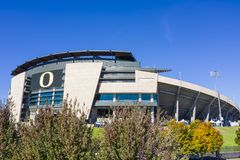 Ideias aéreas do estádio de Autzen no terreno da universidade O fotografia de stock royalty free