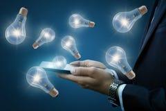 Ideias do conceito dos dispositivos móveis imagens de stock