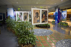 Ideias do design de interiores - jardim da sala de espera do aeroporto fotos de stock