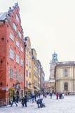 Ideias do quadrado de Stortorget durante uma tempestade de neve Éstocolmo, sueco imagem de stock royalty free