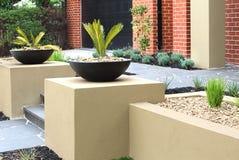 Ideias modernas do projeto do jardim da frente Fotografia de Stock Royalty Free