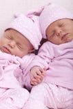 Identieke tweelingzusters Royalty-vrije Stock Foto