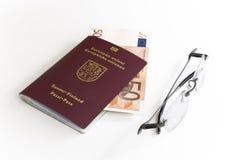 Identificação européia, dinheiro, vidros Fotos de Stock Royalty Free