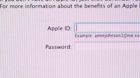 Identificación de Apple, contraseña, MaOS de Apple en los ordenadores de iMac metrajes
