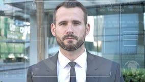 Identification d'homme d'affaires par le système facial biométrique de balayage de reconnaissance banque de vidéos