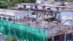 identifichi il lavoratore sulla costruzione e sulla costruzione immagini stock libere da diritti