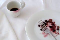 Identifier de tasse de café par le rouge à lèvres rouge Photographie stock
