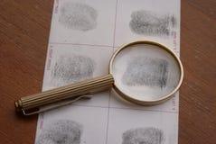 Identifierar med fingeravtryck undersökning Royaltyfri Bild