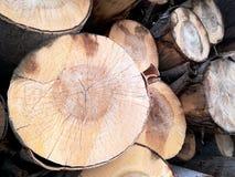 Identifiez-vous en bois une pile photographie stock