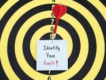 Identifique su meta en el tablero de dardo 1 foto de archivo libre de regalías