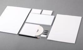 Identité visuelle vide. En-tête de lettre, cartes de visite professionnelle de visite, enveloppes, CD Photographie stock libre de droits
