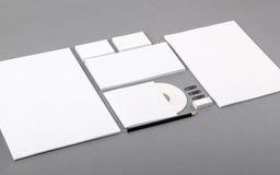 Identité visuelle vide. En-tête de lettre, cartes de visite professionnelle de visite, enveloppes, CD Photo stock