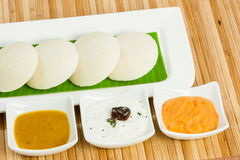 Idly / Idli with tomato & coconut chutney and sambar Stock Photography