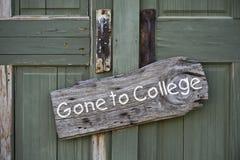 Ido a la universidad. Foto de archivo