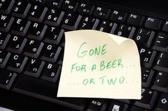 Ido para uma cerveja ou dois Fotografia de Stock Royalty Free