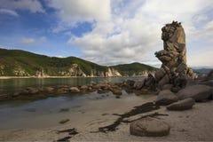 Idoli di pietra della spiaggia. Fotografia Stock