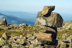 Idolo di pietra su un plateau della montagna fotografia stock libera da diritti
