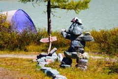 Idolo di pietra sulla riva del lago AK-Kem Fotografie Stock Libere da Diritti