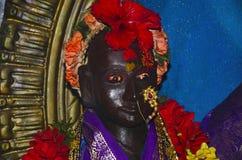 Idool van Rakhumai, Oude tempel, Mahuli Sangam, Satara, Maharashtra stock foto