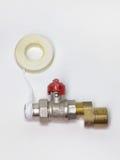 Idraulici di sigillatura infilati nastro, valvola a sfera ed EC montata del rubinetto Immagini Stock Libere da Diritti