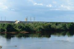 Idro funzione e lago di potenza di Balbina fotografia stock