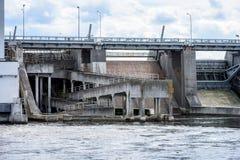 idro portoni elettrici della centrale elettrica per acqua Fotografia Stock