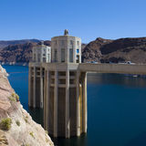 Idromele del lago a panorama della diga di Hoover Immagini Stock