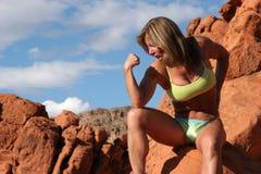 idrotts- mogen kvinna Fotografering för Bildbyråer