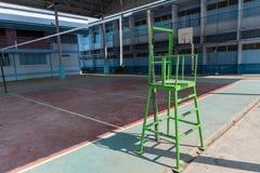 Idrottshall för skola för volleybolldomstol inomhus Arkivbilder