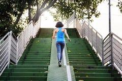 Idrottskvinnaidrottsman nen Exercise Healthy Lifestyle parkerar begrepp Royaltyfri Bild