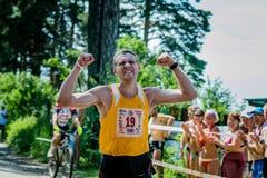 Idrottsman nenvinnare av maraton Royaltyfri Foto