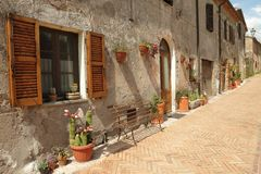 Idyllic Italian street, Tuscany Royalty Free Stock Photography