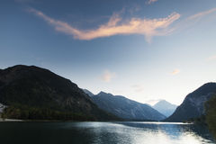 Idyllic lake plansee with mountains Royalty Free Stock Photos