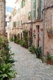 Idyllic street scene in Valldemossa Royalty Free Stock Photos