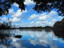 idylliczny jeziorny widok obrazy royalty free