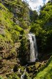 Idylliczny krajobraz z siklawą - Austria fotografia royalty free
