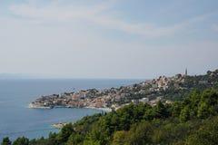 Idylliczny obubrzeżny miasteczko zdjęcie royalty free