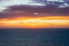 Idylliczny zmierzch nad morzem śródziemnomorskim Portoscuso Carbonia Sardinia fotografia stock