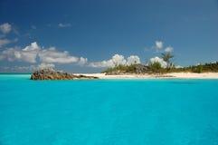 Idyllisch klein eiland Stock Afbeelding