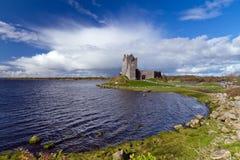 Idyllisch landschap met kasteel Dunguaire Stock Foto's
