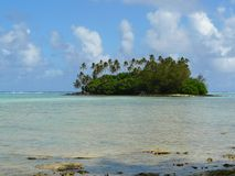 Idyllisch tropisch strand en atol in Rarotonga Royalty-vrije Stock Fotografie
